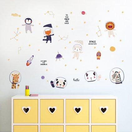 """Samolepka na stenu """"Zvieratká - astronauti"""" 152x93cm"""